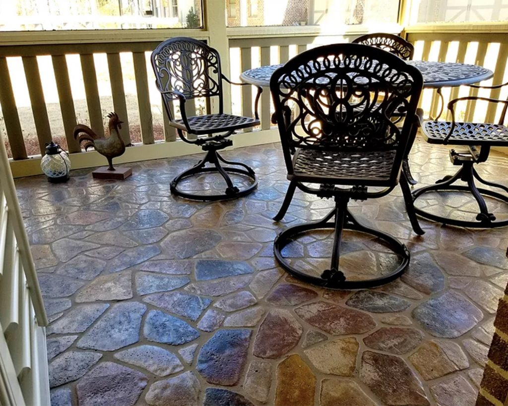 Pickett's Mill pattern outdoor patio Floor in the Flagstone color.