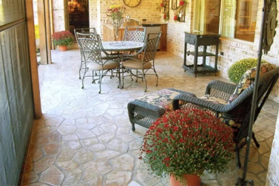 Sand Stone pattern outdoor patio Floor in the Flagstone color.