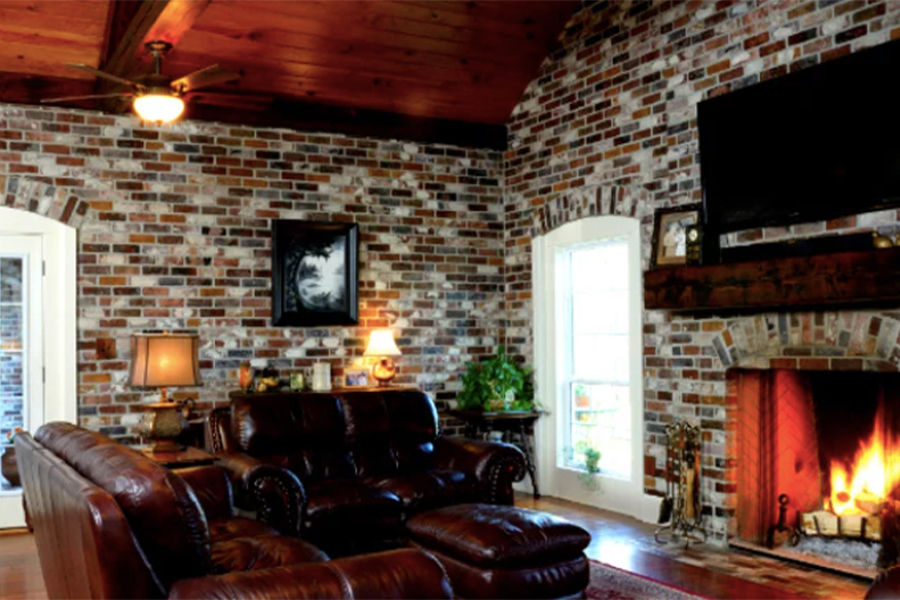 Thin Brick Wall in Rose Hill brick color with Face Brick pattern