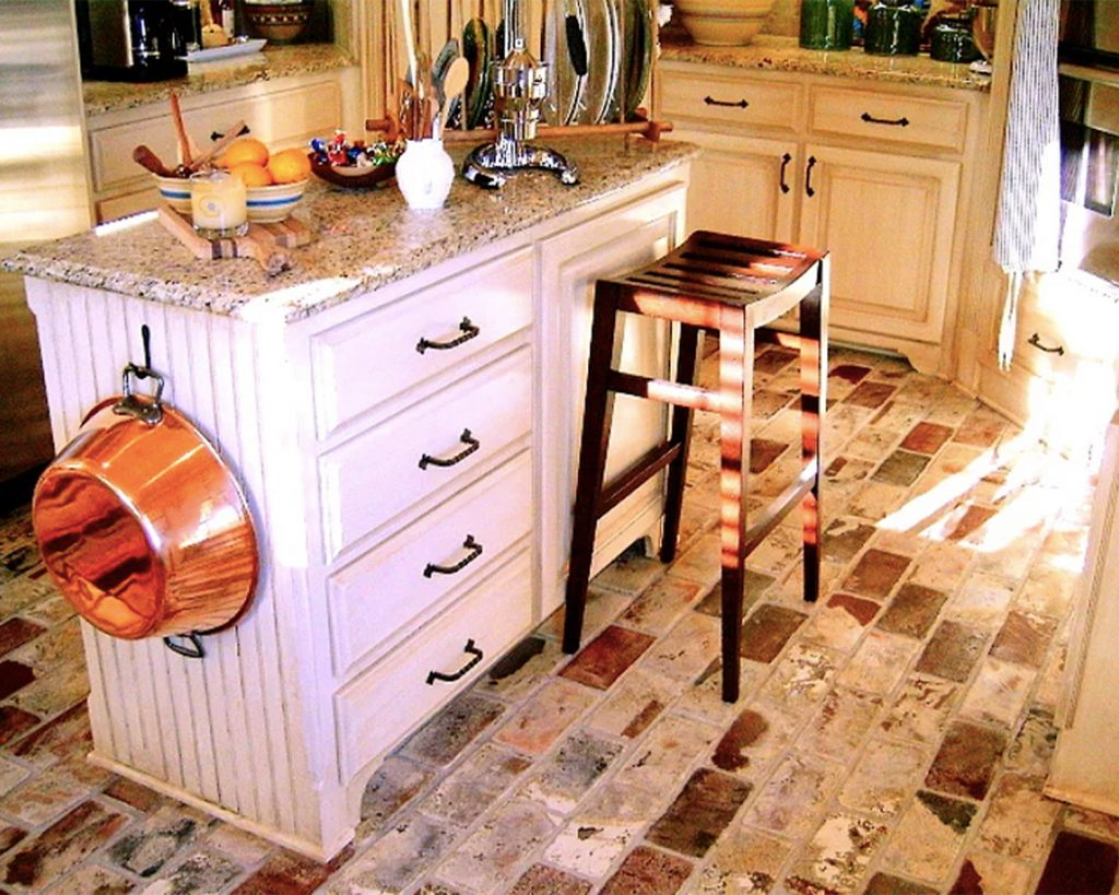Large Runningbond pattern interior kitchen Floor in the St. Louis color.