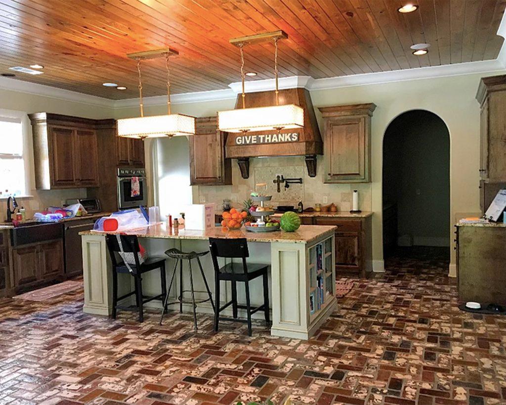 Runningbond pattern interior kitchen Floor in the St. Louis color.