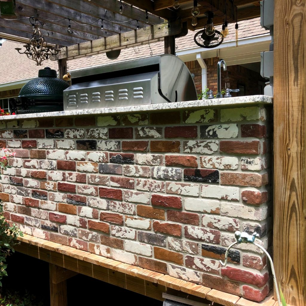 PortStone Rose Hill brick color, outdoor cooking center. Thin brick.